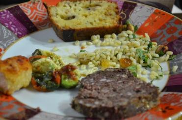 terrine de boudin noir; salade caesar; tabouret de légumes, carottes, 3 radis, graines de lin et de courges (recette dans le prochain livre de Sophie); tartare
